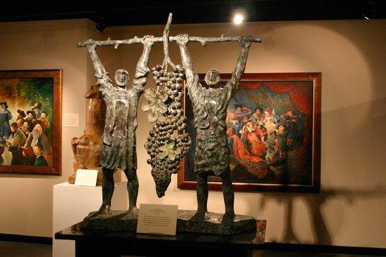 Belz Museum date ideas in Memphis